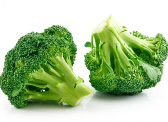 2 heads of broccoli